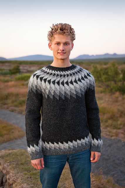 From pattern page on Ravelry, copyright Istex