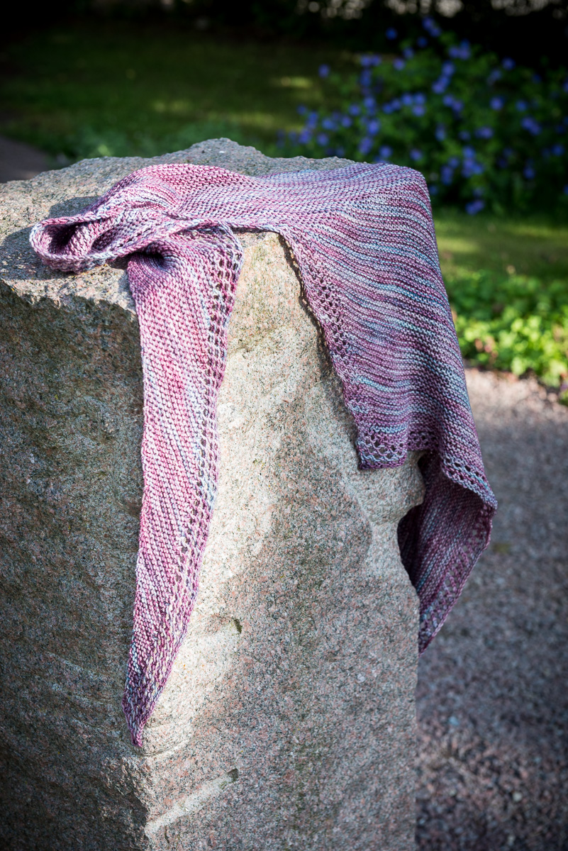 Trillian scarf: subtle and sweet